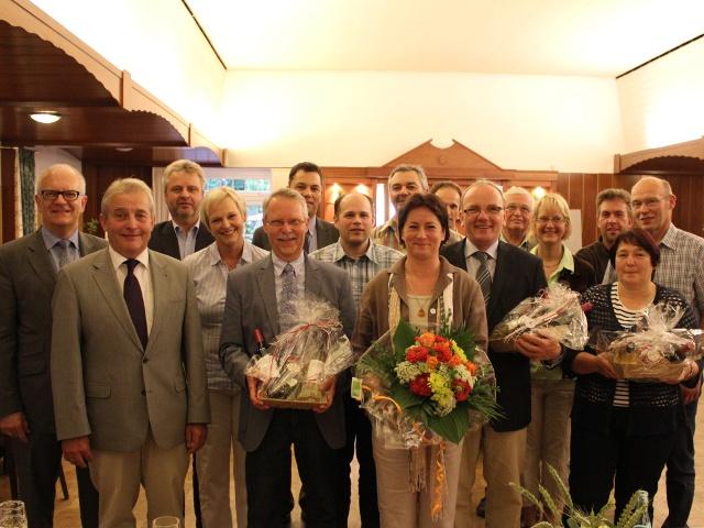 Der neu gewählte Rahdener Stadtverbandsvorstand zusammen mit Friedhelm Ortgies MdL und ausgeschiedenen Vorstandsmitgliedern